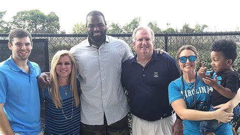 Blind Side Real Story Michael Oher S Family The Pictures You Need To See
