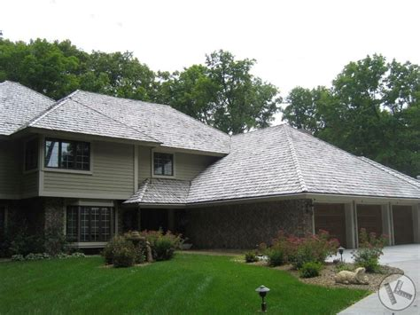 Kuhl's Contracting » Cedar Roof Restoration