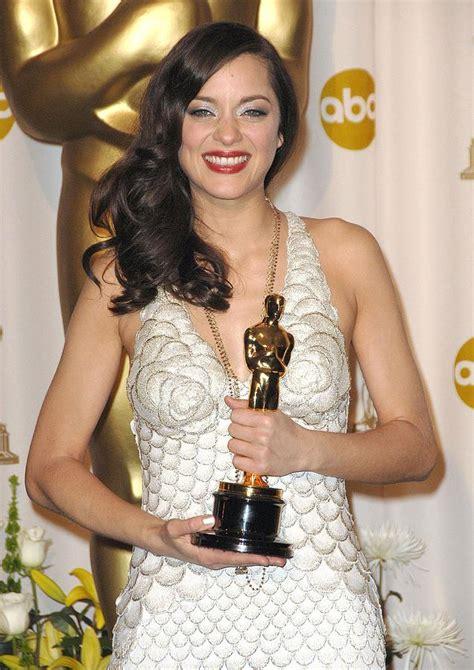 oscar best actress marion cotillard marion cotillard winner best actress photograph by everett