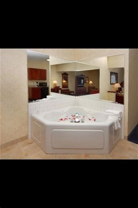 comfort suites southfield jacuzzi tub in room picture of comfort suites southfield