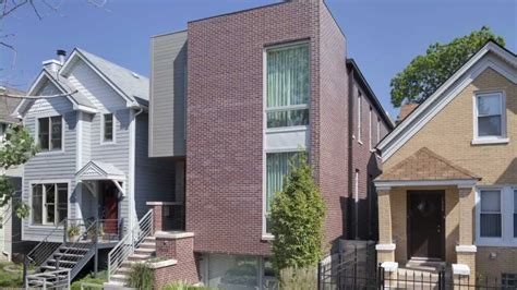 Narrow Lot Homes New Inner City Chicago House Build To Maximize Space On A
