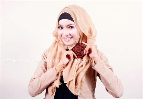 Binder Polos By Ragam Kreasi cara memakai jilbab polos segi empat trik