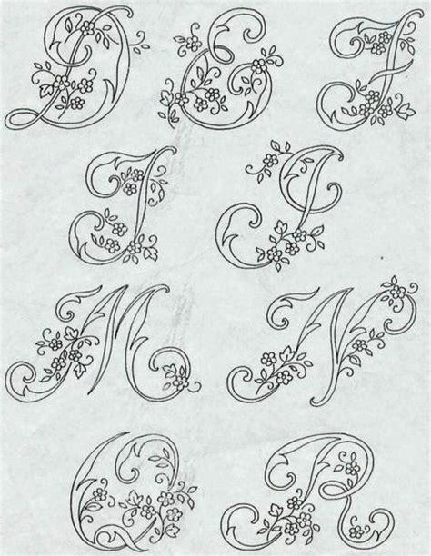 ricamo lettere alfabeto da ricamare con ricamo classico paperblog