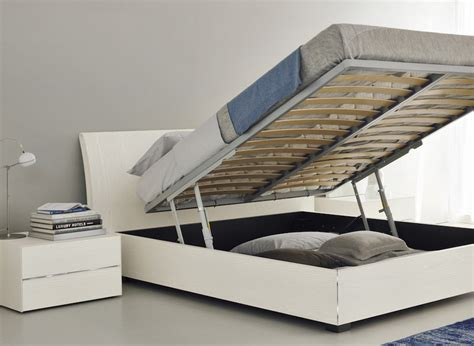 Bed With Mattress by Bedroom Storage The Most Of The Bed Space
