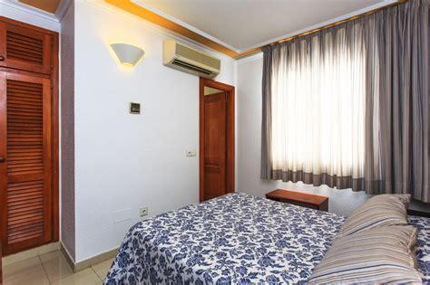 appartamenti a formentera economici hostal ristorante bellavista formentera alloggi a basso