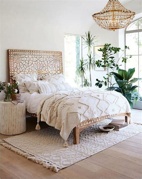 centsational girl headboard 25 best ideas about rug under bed on pinterest bedroom