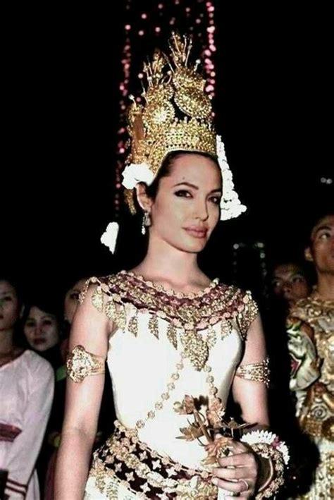 cambodian wedding on pinterest 34 pins angelina jolie in khamer cambodian apsara dancing
