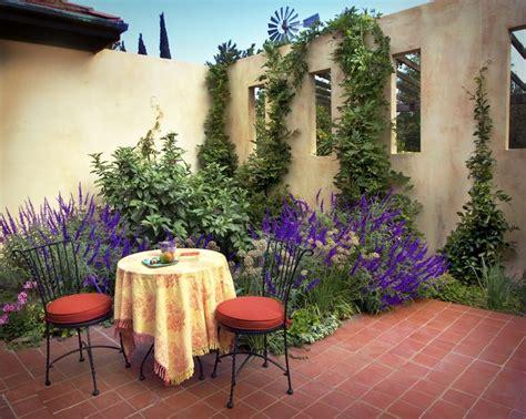 mediterranian courtyard gardens courtyards and verandas pinterest modern mediterranean courtyard garden courtyard