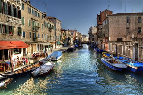 canal boat italy small group grand canal secret venice boat tours venice