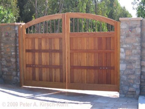 house entry gate design 23 best modern gate designs images on pinterest modern gates decks and garden fencing