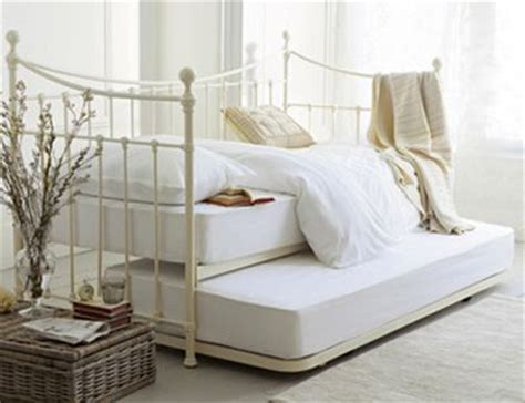 double day beds best 25 day bed ideas on pinterest day bed diy sofa