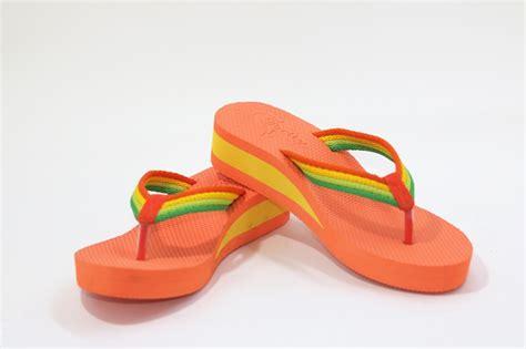 Sendal Jepit Wanita Spon Biru sandal lucu sandal sancu jual sandal lucu sancu harga grosir
