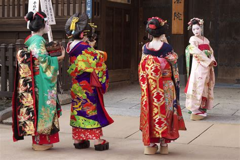 new year traditional clothing name the kimono