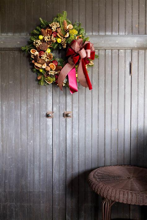 christmas decorations 2017 25 best christmas wreath decor ideas 2017