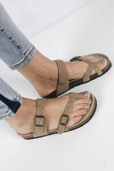 birkenstock sandals look alike birkenstock look alike sandals 28 images best 25 toe