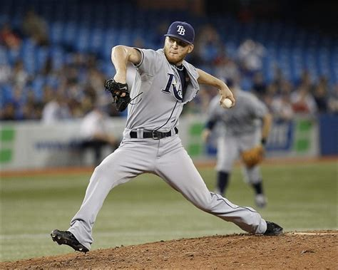 dodgers sign lefty jp howell   year deal