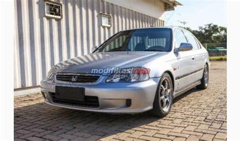 Per Standart Tengah Honda honda ferio at thn 2000 silver met
