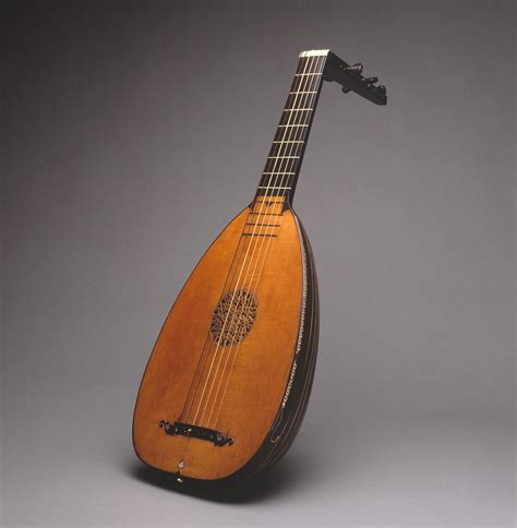 String History - lute