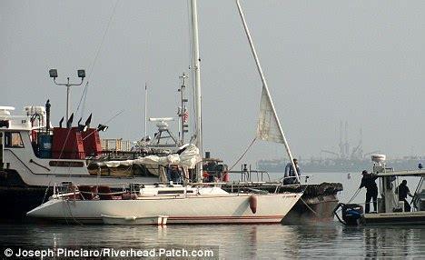 Kkpk Negeri Tanpa Cermin New carchip moreleg perahu layar mudik tanpa nakhoda
