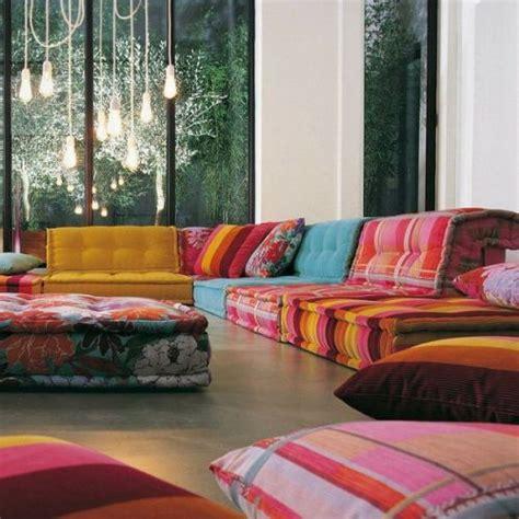 wohnideen wohnzimmer 39 ideen f 252 r ein sommerliches flair - Schlafsofa Orientalisch