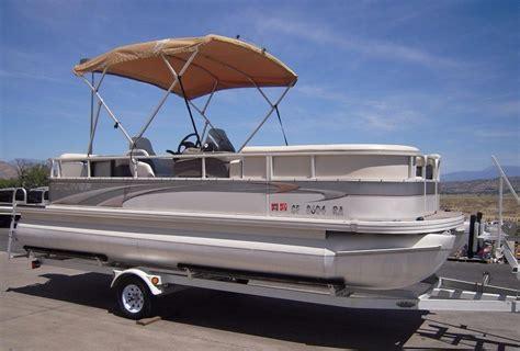 crestliner pontoon boat models 2004 used crestliner 2081 sport lx pontoon boat for sale