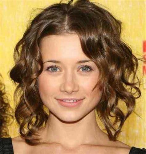 cute hairstyles curly hair beach 40 beachy waves short hair short hairstyles 2017 2018