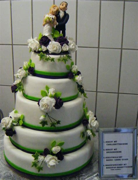 Hochzeitstorte Wei Gr N by Hochzeitstorte In Gr 252 N Weiss Pictures To Pin On
