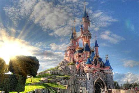 disneyland paris 52 off ticket price uk family break 2nt disneyland paris voucher and return flights family