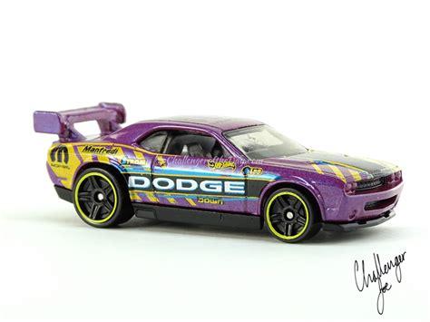 Hotwheels Dodge Challenger Drift Car B 95 wheels dodge challenger drift car pearlescent purple