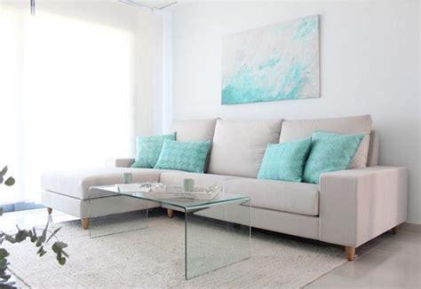 una casa en blanco  turquesa decorar tu casa es