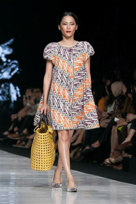 Busana Wanita Yg Lg Trend Fashion Baju Casual Wanita 1446 best batik images on
