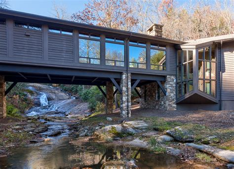 Cabin Style Houses Riverside Rural Retreat This House On The Edge Of A River