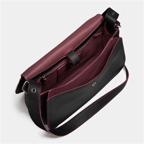 Tas Selempang Coach Original Leather Crossbody Black coach saddle bag in glovetanned leather in black lyst