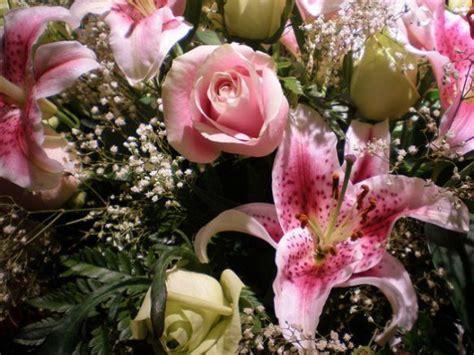 mazzo di fiori per san valentino bouquet di fiori per san valentino