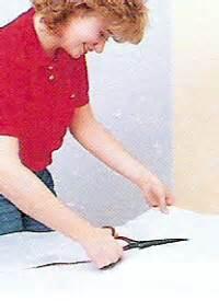 decke tapezieren anleitung blasen tapezieren
