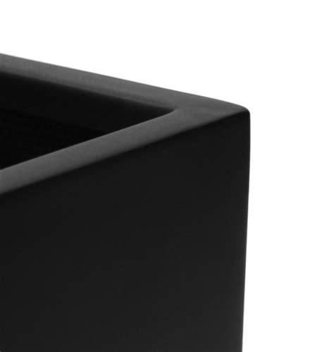 fensterbank schwarz blumenkasten f 252 r die fensterbank matt schwarz primrose