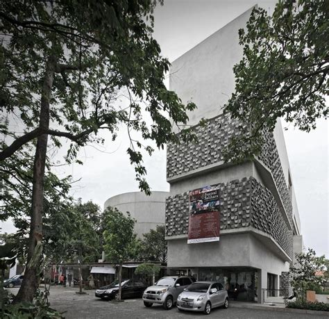 plus design jakarta indonesia 409 best contemporary indonesian architecture images on