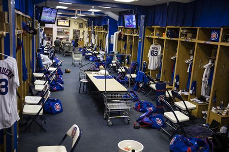 cubs locker room bad news for dodgers they ll finish the nlcs in worst clubhouse in majors wrigleyville