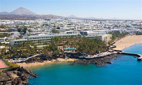 fariones apartamentos which fariones hotel in lanzarote should i book