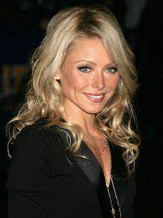 how does kelly ripa get her wavy hair kelly ripa kelly ripa 2014 short hair kelly ripa s posh