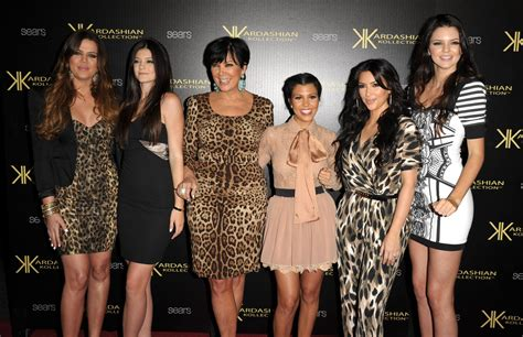 cele bitchy khloe kardashian kylie kendall jenner who looked pictures of kim kardashian and kris humphries kissing at