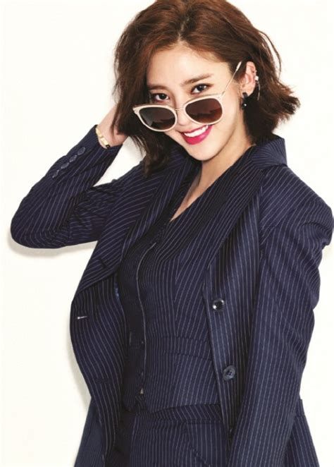 Ready Samuel Mini Album Vol 1 dam bi models sunglasses for fashion brand escada soompi