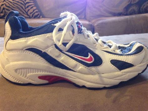 youth boys athletic shoes boys youth nike athletic shoes size 5 5 white black