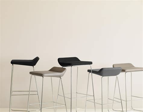 Senter Krisbow cahoots 9001 meet lounge chairs from keilhauer architonic