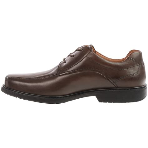 clarks oxford shoes clarks gatewood oxford shoes for 9730n save 53