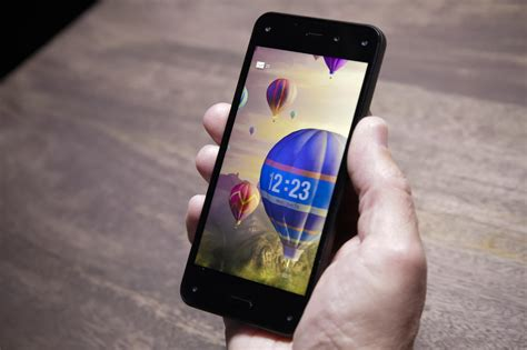 amazon fire phone going hands on with the amazon fire phone pictures cnet