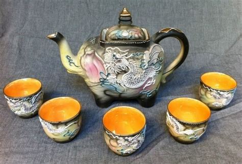 Set Kulot Vanesia Hitam 23 best images about dragonware on miniature tea cups and vintage