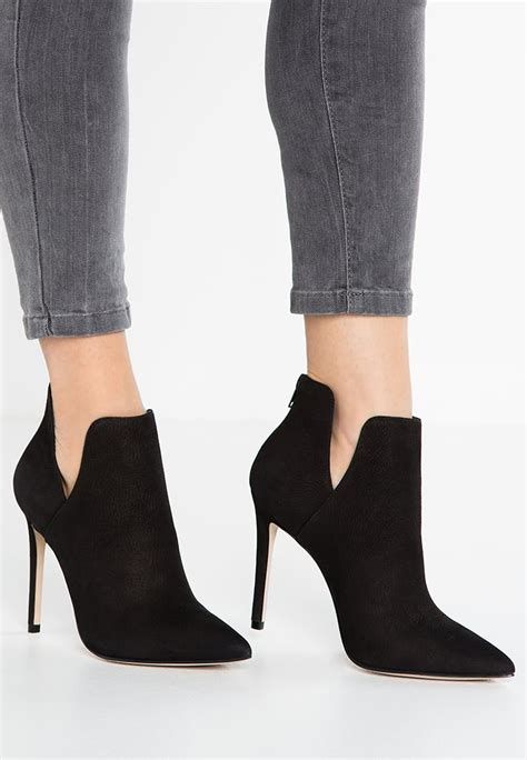 Maxx Black Heels steve madden the collection and best deals on sale