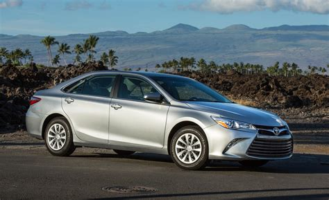 2015 Toyota Camry Le Car And Driver