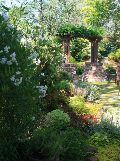 Arbor Garden Cottages Photo Page Hgtv